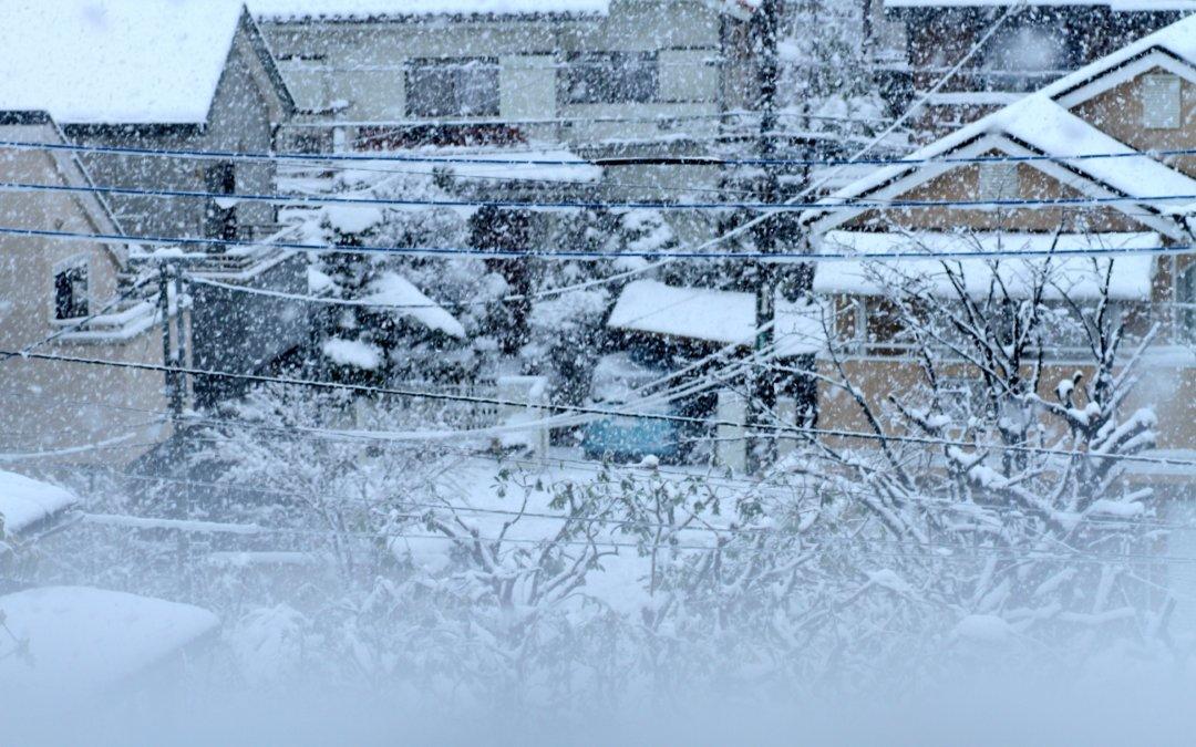 今回は福井市内で発生した積雪の影響で被害を受けたご自宅の火災保険軒樋工事